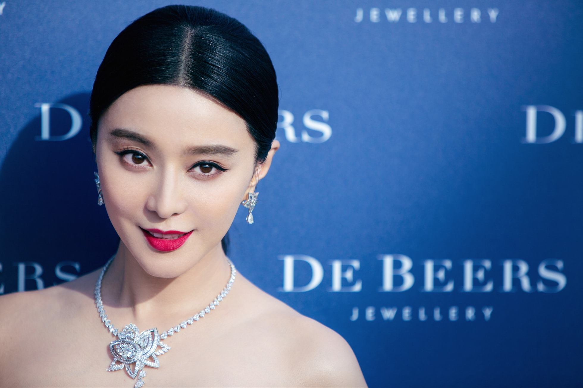 De Beers Jewellery - Fan Bing Bing for Lotus Collection