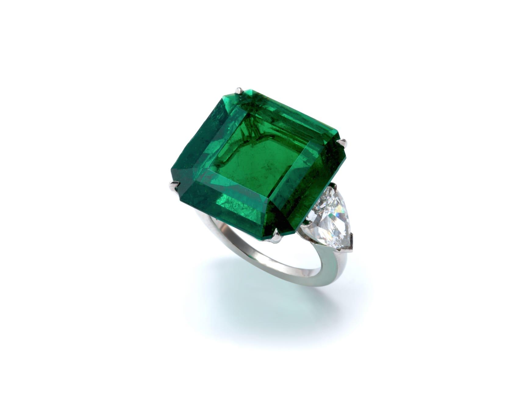 bayco-emerald-diamond-ring