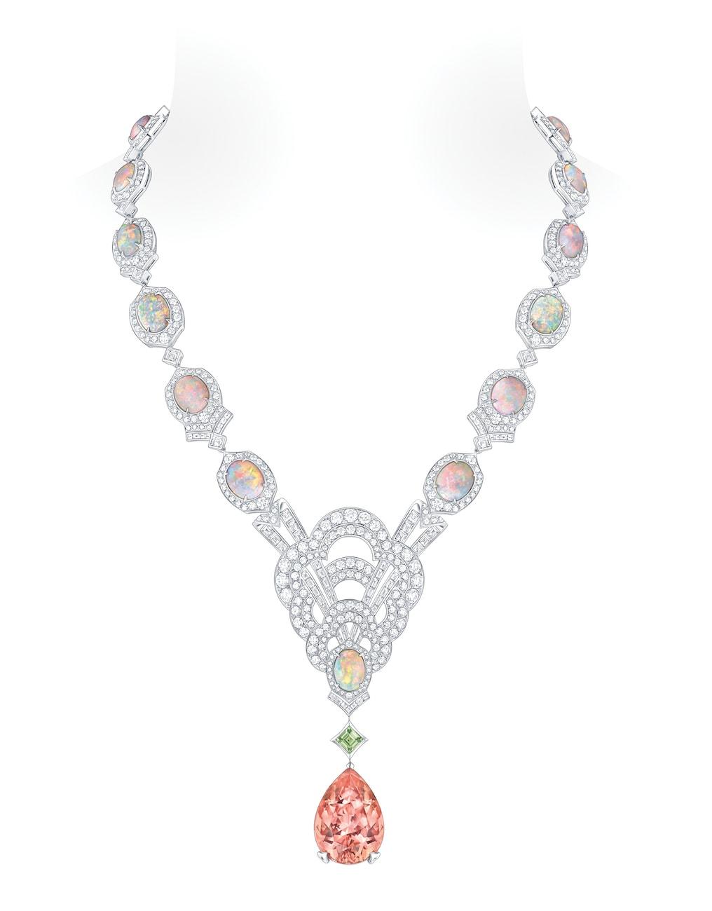 Conquêtes-Topaze-Impériale-opal-fine-jewellery-necklace