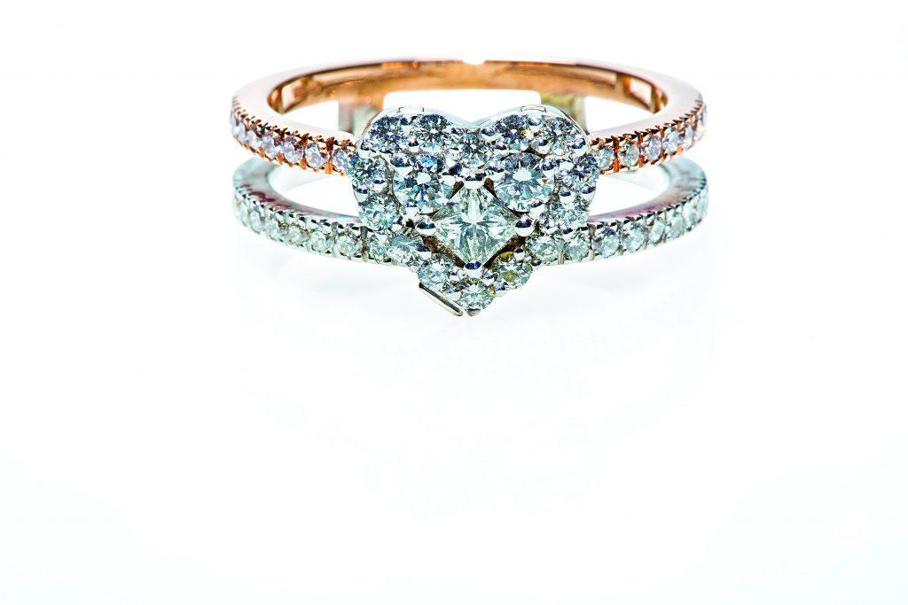 Leonori-diamond-heart-ring-pendant
