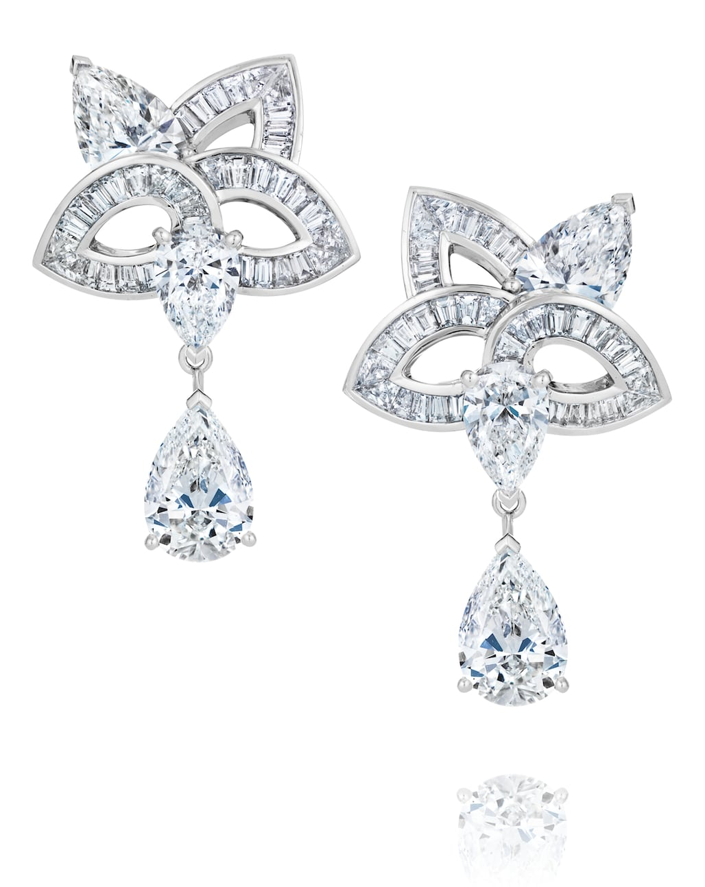 De-Beers-BLOOMING-LOTUS-HIGH-JEWELLERY-EARRINGS