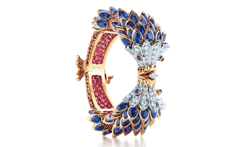 Fish bracelet with sapphires, red spinels and diamonds in platinum and 18 karat gold by Jean Schlumber for TIFFANY & CO. Photo Carlton Davis