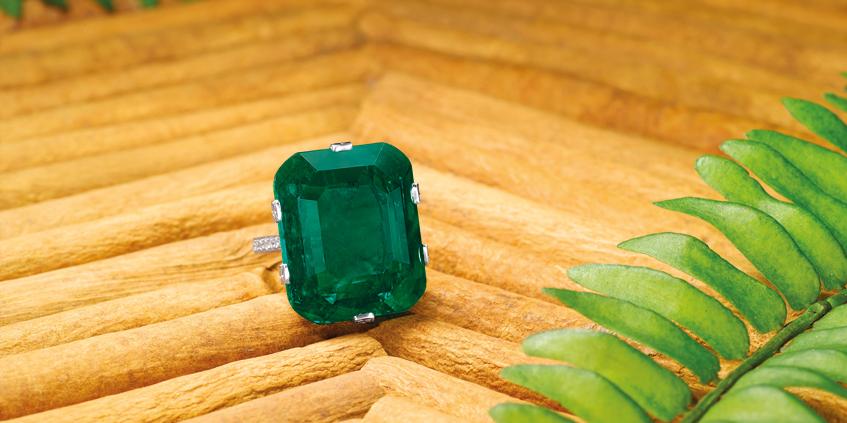 Crown of Muzo, 29.16ct Natural Untreated Colombian Muzo Emerald and Diamond ring, TIANCHENG INTERNATIONAL