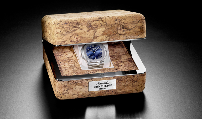Each Anniversary model comes in a brown cork box that is an authentic replica of the 1976 original