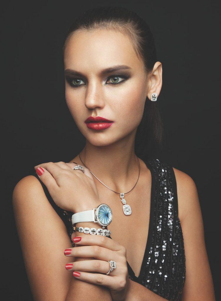 solitaire-magazine-emperor-jewellery-diamons-necklace-diamond-ring