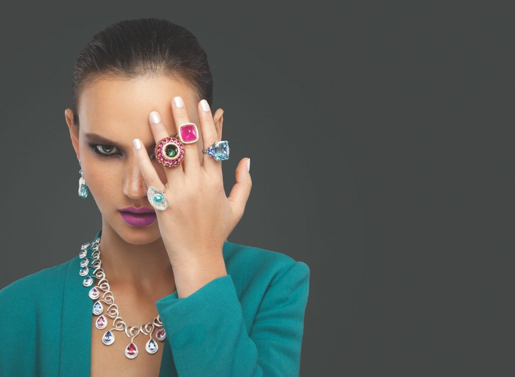 solitaire-magazine-party-festive-jewellery-tips